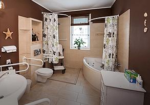 Galeria, wyposażona łazienka